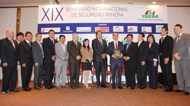 Jorge Ugarte y equipo de Pan American Silver