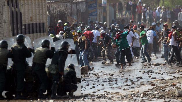 SE ALISTAN. Grupos violentistas buscan causar desmanes en la ciudad de Arequipa y también en Islay, pese al estado de emergencia. (USI)
