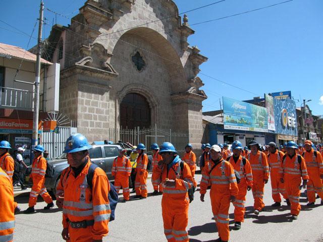 Sindicatos de trabajadores de las minas San Rafael – Antauta, Aruntani y Aesa exigen derogatoria del Decreto Supremo 013-2014 (Créditos: RPP/Blas Condori)