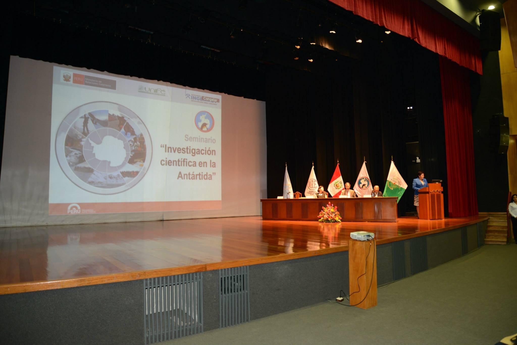 Ingemmet participó en seminario sobre la Antártida en Unifé
