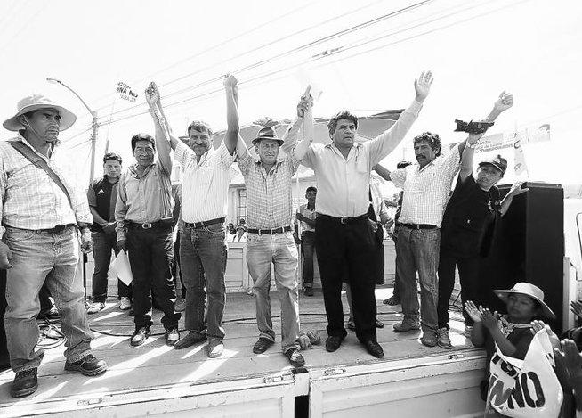 Director general de la PNP, Jorge Flores Goicochea, constató limpieza de vías de acceso (Foto: Correo)