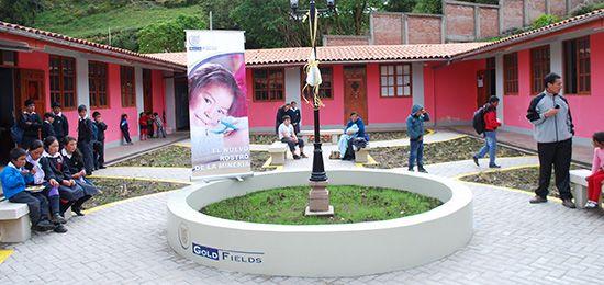 En Hualgayoc inauguran patio central en escuela 82722 de la comunidad El Tingo