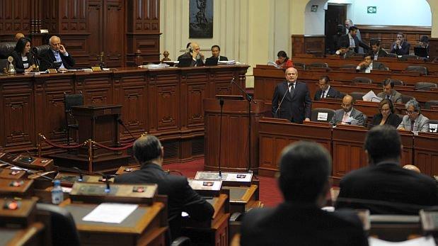 Una vez que el pleno defina la aprobación de la ley de gratificaciones, el primer ministro, Pedro Cateriano, sustentará pedido de facultades. (Foto: Congreso)