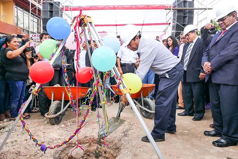 BCP y Región Pasco inician obra de saneamiento en Villa Rica por más S. 54 millones