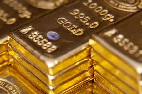 Metal dorado se dirige a una caída semanal del 2%. (Foto: Bloomberg)