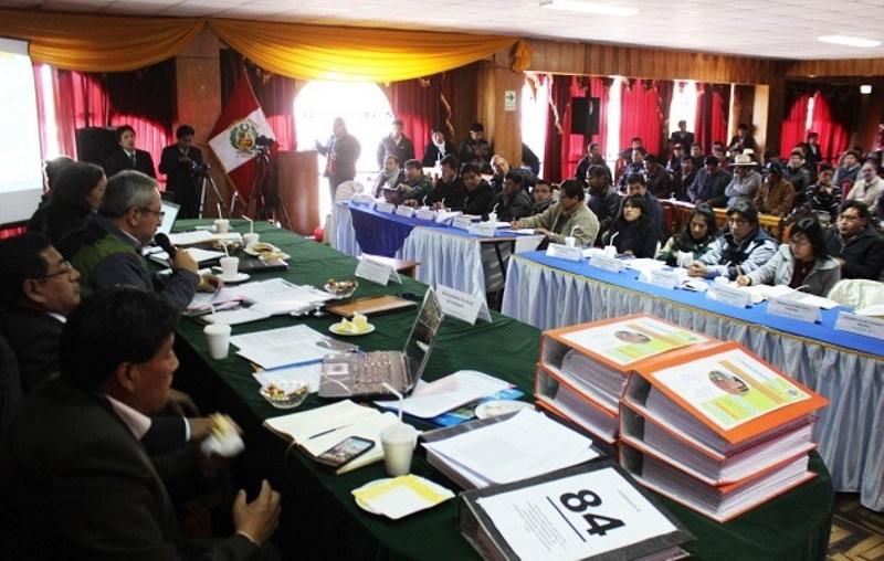 Representantes del Ejecutivo se reunieron con alcaldes de Puno para evaluar proyectos de remediación ambiental. (Foto: Andina)