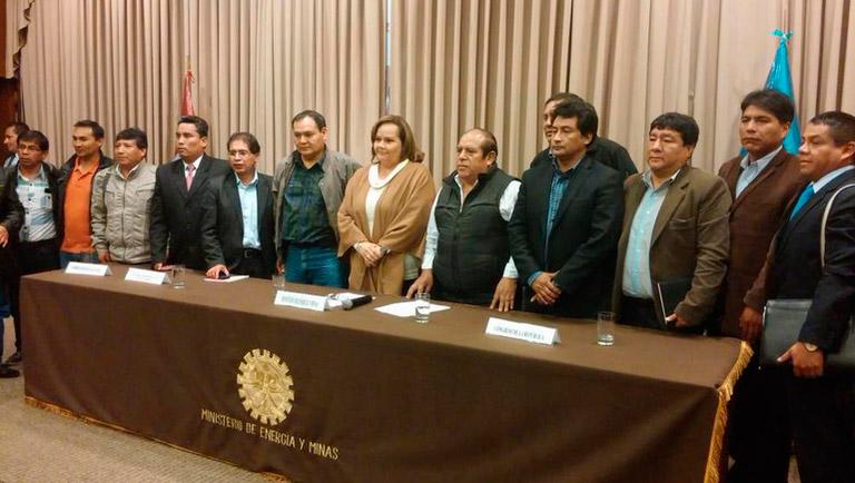 Acuerdos entre el Gobierno y trabajadores de Doe Run y mina Cobriza.  (Foto: MINEM)