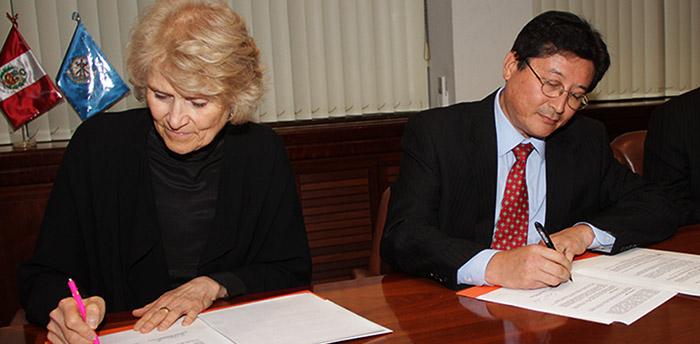 MEM-y-Universidad-de-Alberta-firman-acuerdo-para-el-desarrollo-tecnológico-de-la-minería-peruana