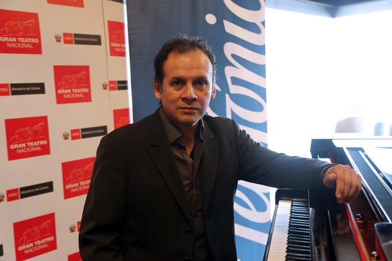 Reconocido pianista nacional Juan José Chuquisengo