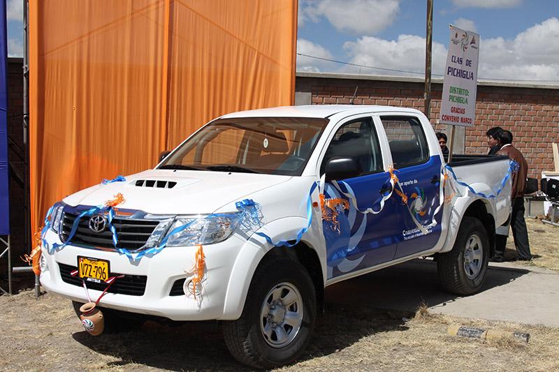 Antapaccay entrega moderna camioneta al Class Pichigua para optimizar servicio de salud