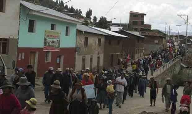PROTESTAS. Población hoy cumple 3días de paro indefinido contra Las Bambas. Ayer más de 5,000 se movilizaron. (Foto: La República)