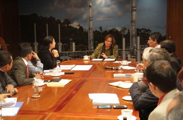 ortiz se reunio con 8 alcaldes loreto