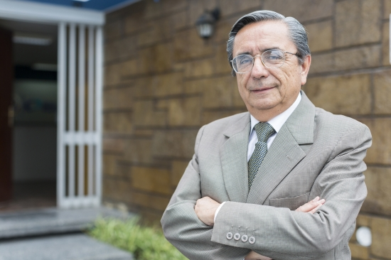 César Guzmán-Barrón (Foto: PuntoEdu)