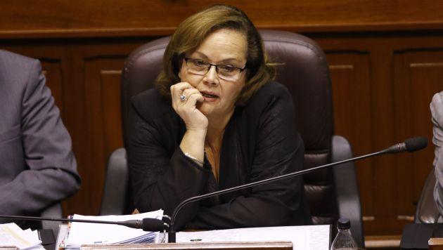 Ministra Rosa María Ortiz buscó explicar la situación que se vive en Apurímac y Cusco. (Roberto Cáceres)