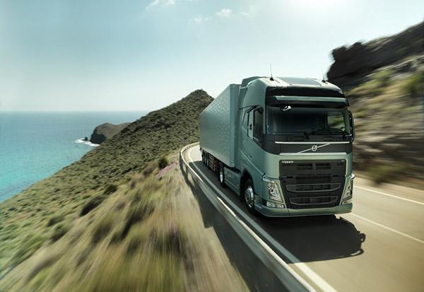 Volvo-FH-con-paragolpes_NP