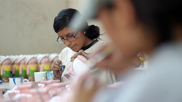 Se proyecta que la tasa de jóvenes sin empleo en el mundo llegará a 13,1% en este año, frente a una de 4,5% en el caso de los adultos, según la OIT.