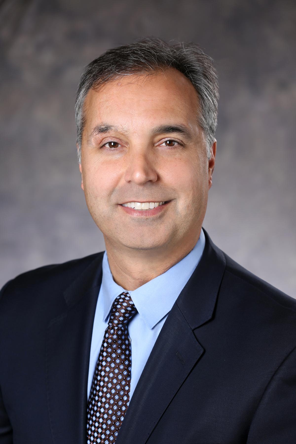 Mike Parra -Director Ejecutivo regional