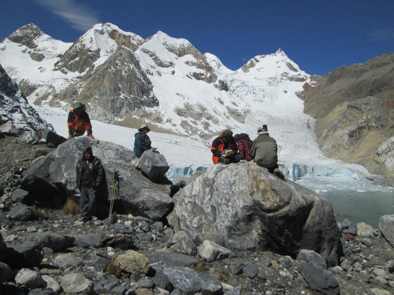 INGEMMET investigará el impacto del cambio climático en los glaciares de Perú con apoyo del FONDECYT