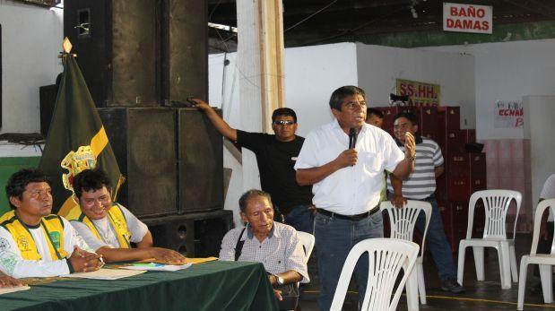 Gobernador regional de Madre de Dios, Luis Otsuka, participó de reunión en donde se acordó iniciar un paro regional indefinido desde el 23 de noviembre. (Foto: Manuel Calloquispe)