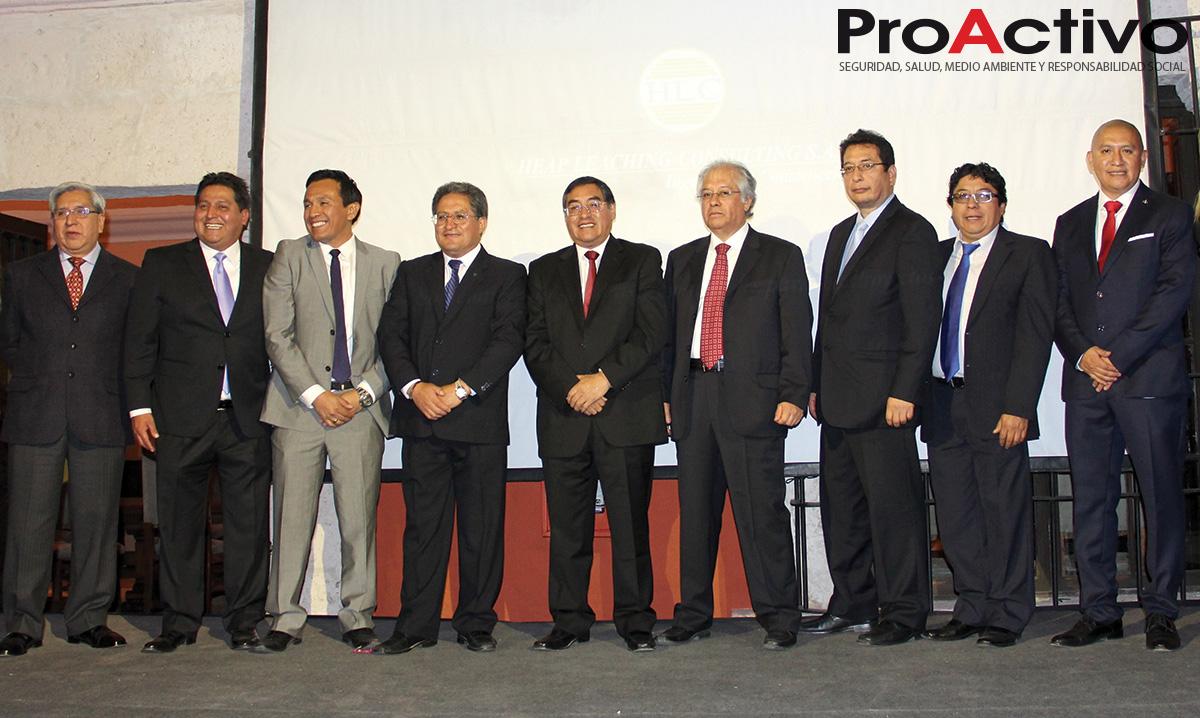 Gerente general, Manuel Ortega y su Staff de profesionales