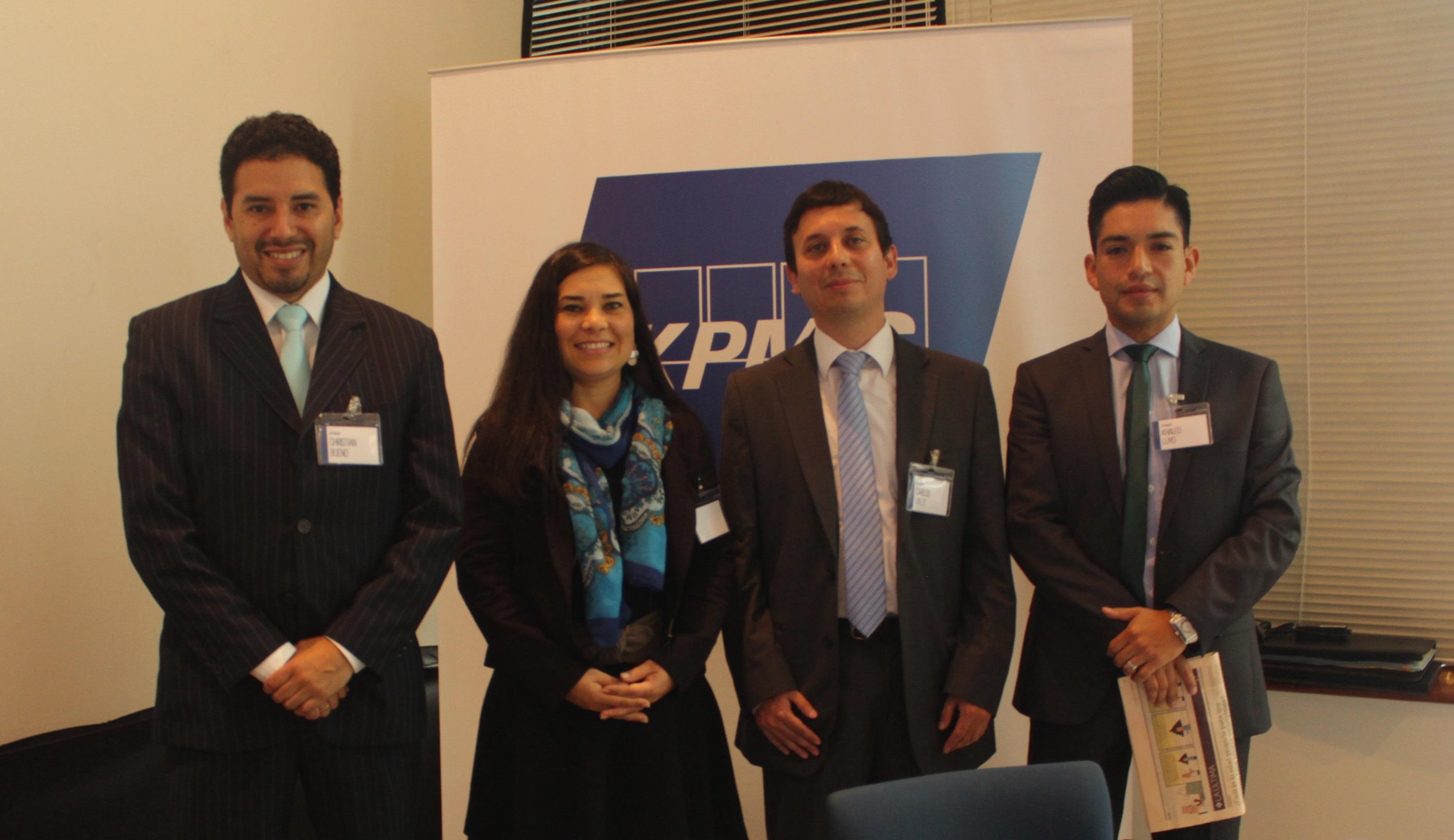 De izquierda a derecha (Christian Bueno, Ana Vidal, Carlos Valle y Khaled Luyo ).
