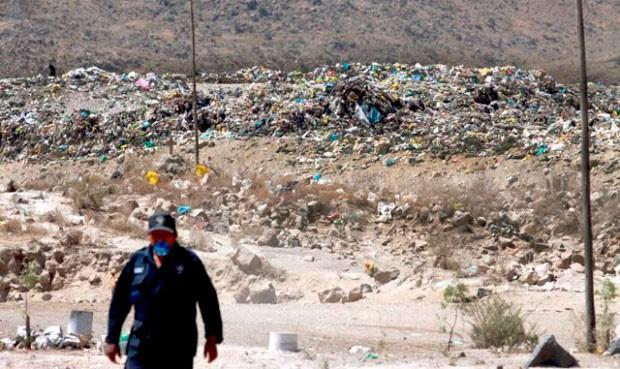 Arequipa - Energía y Minas exige denuncio minero a comuna para botadero