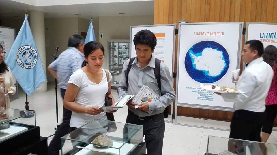 INGEMMET inauguró exhibición Antártida Geología en el Polo Sur