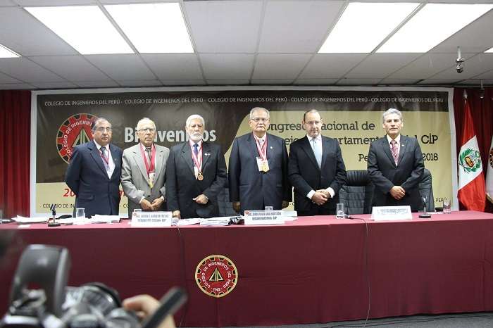 Eco. José Chlimper (Fuerza Popular) con directivos CIP