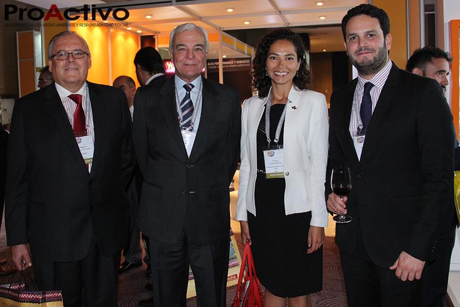De izquierda a derecha: Humberto Arnillas, gerente de Marketing y Comunicaciones de la SNMPE; Carlos Gálvez, presidente de la SNMPE; Cecilia Lozada, gerente general de la CCCP, y Patrick Wieland, jefe del SENACE. (Foto: ProActivo).