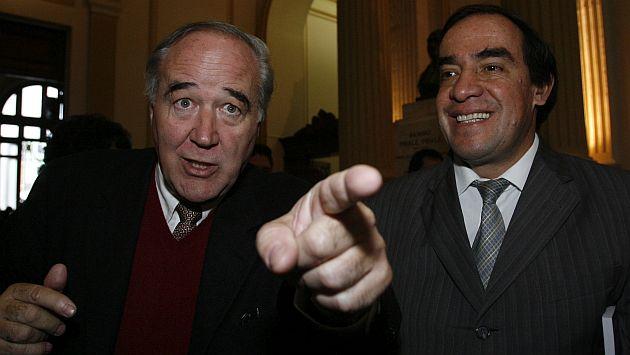 ELECCION DE MESA DIRECTIVA DEL CONGRESO, GANO LUIS ALVA CASTRO DEL APRA CON 59 VOTOS Y ROSA FLORIAN OBTUVO 47 VOTOS.