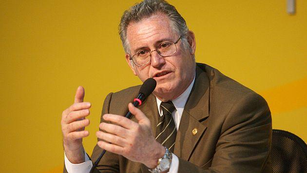 """Carlos Herrera Descalzi: """"Estamos despilfarrando el gas en la exportación en condiciones muy malas"""""""