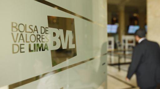 FOTOS DENTRO DEL EDIFICIO DE LA BOLSA DE VALORES DE LIMA.