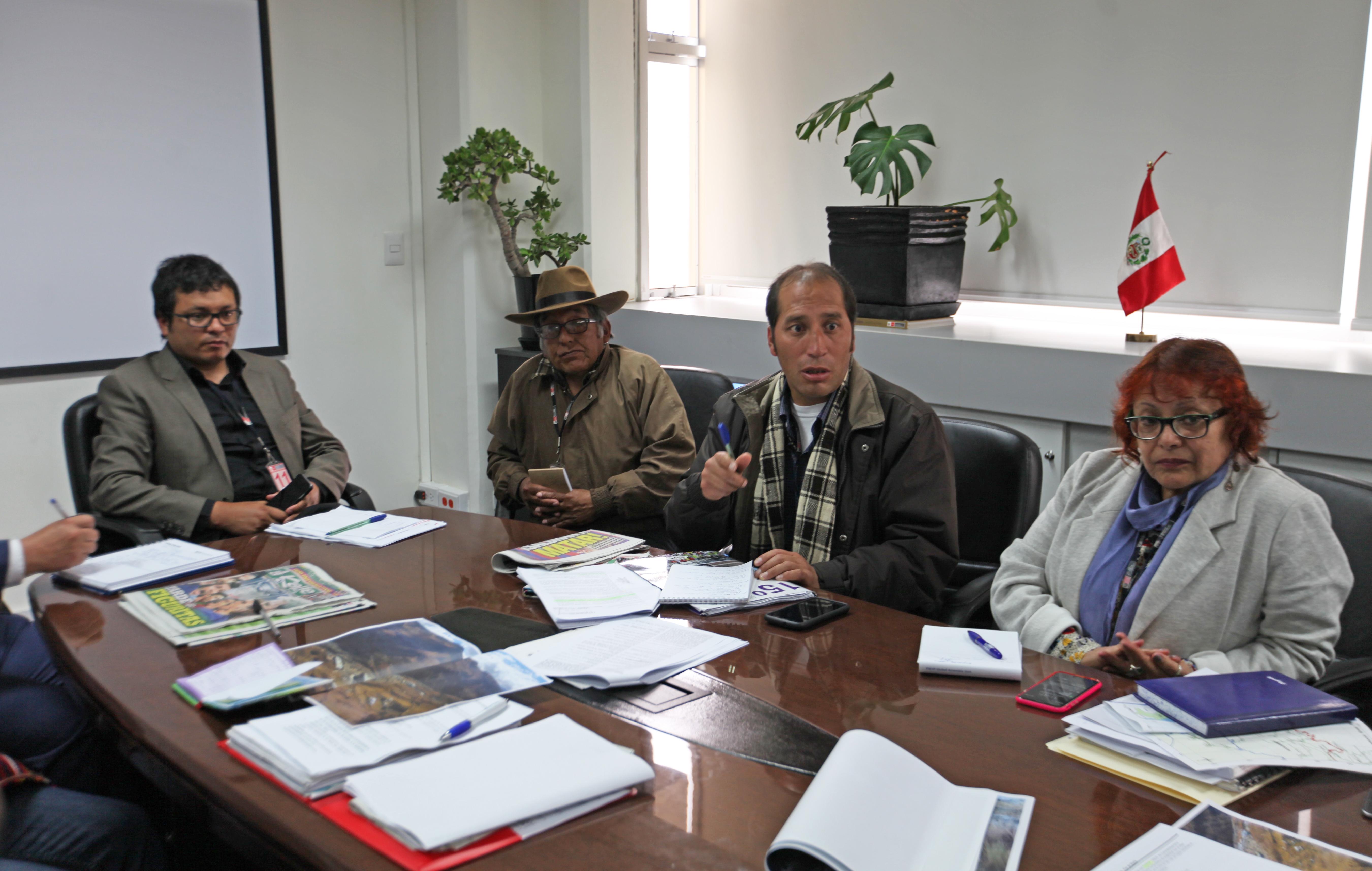 Viceministra de Transporte Fiorella Molinelli recibió a la delegación apurimeña.