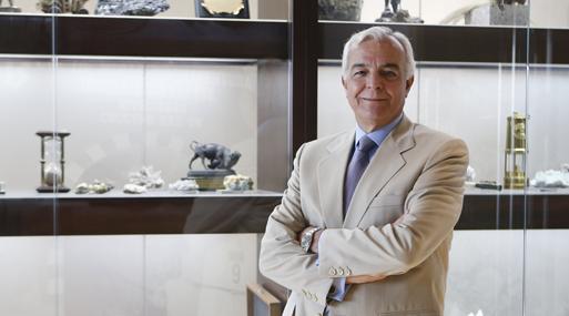 FOTOS A CARLOS GALVEZ, PRESIDENTE DE LA SOCIEDAD NACIONAL DE MINERIA , PETROLEO Y ENERGIA.