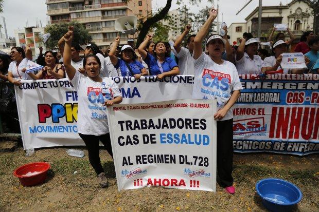 Protesta de trabajadores de CAS de EsSalud / Foto: La República