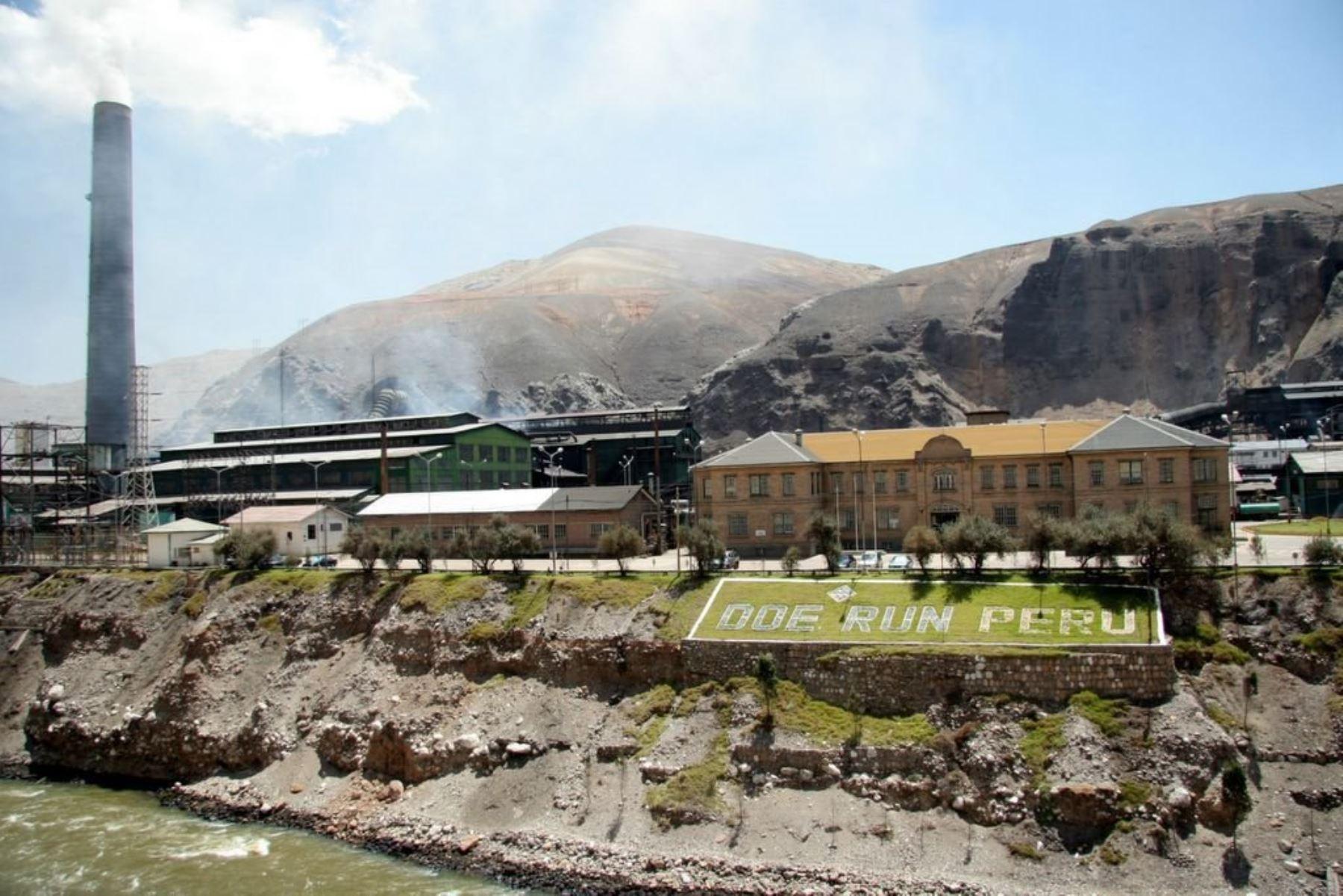 doe run El complejo metalúrgico de la oroya, con tecnología tradicional, procesa.