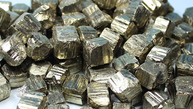 Analistas advierten sobre altas existencias de mineral de - Hierro y aluminio ...