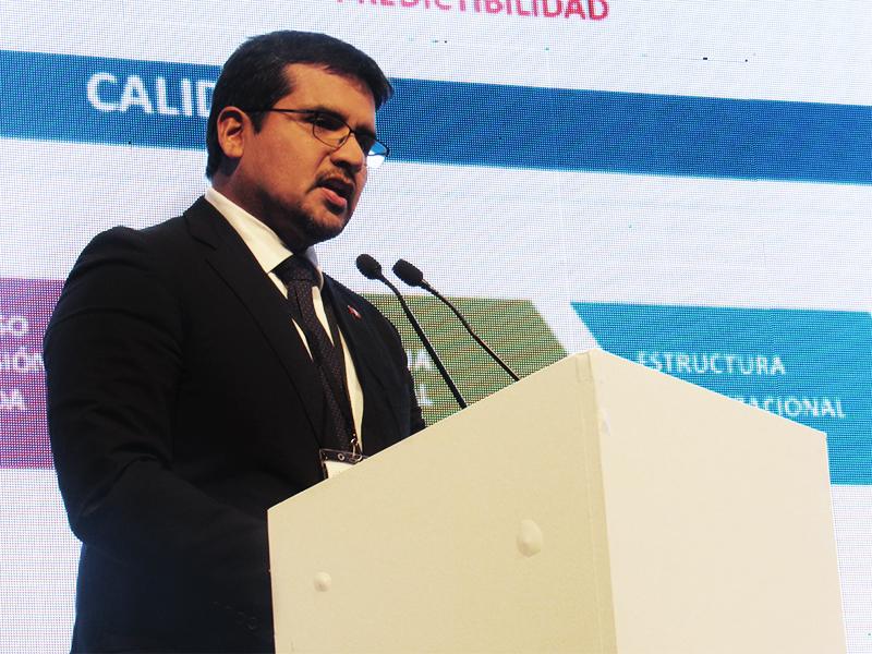 Alberto Ñecco, Director Ejecutivo de ProInversión