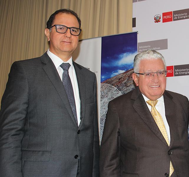 Ministro de Energía y Minas, Francisco Ísmodes y Presidente de Southern Peru Copper Corporation, Óscar González Rocha