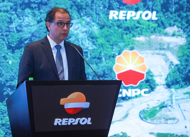 Francisco Ísmodes, ministro de Energía y Minas