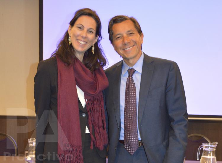 Anouk Bergeron, Jefa de la Seccion Comercial de la Embajada de Canadá en Perú y Raplph Jansen, embajador de Canadá en Perú