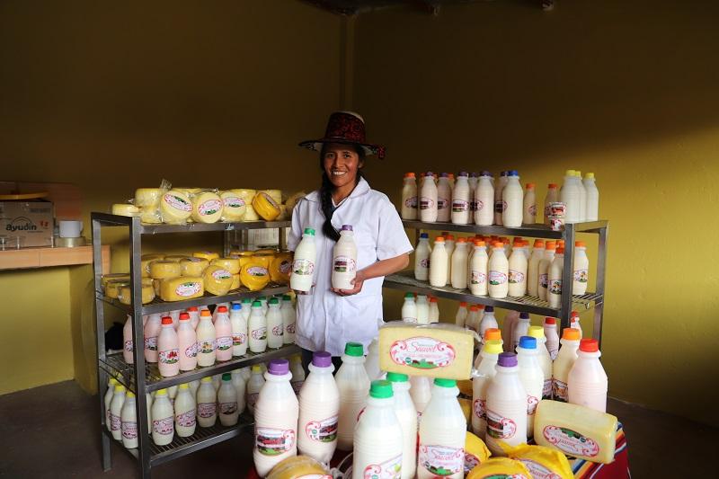 Los productos lácteos son producidos en la moderna planta de derivados lácteos ubicada en la comunidad de Cullahuata, distrito de Velille, provincia de Chumbivilcas.