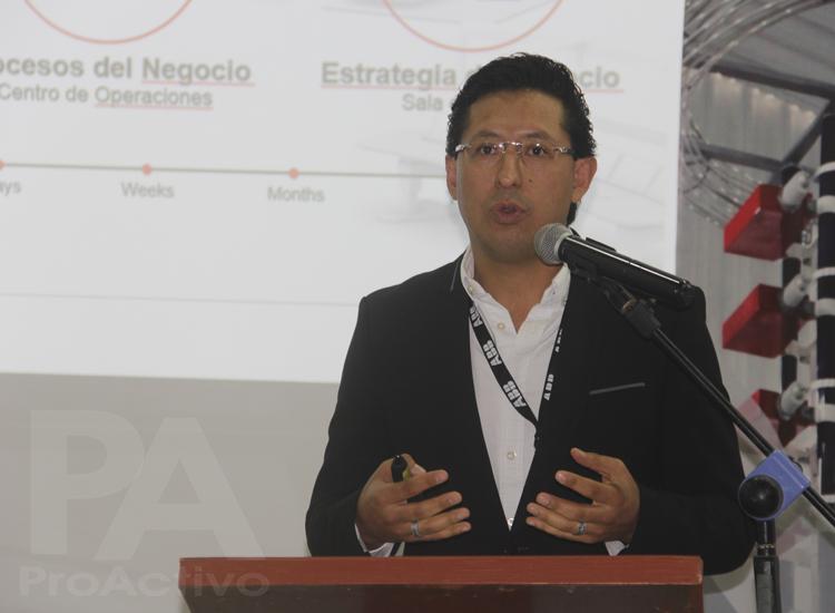 Johan Alfaro Díaz especialista de ABB Power Grids