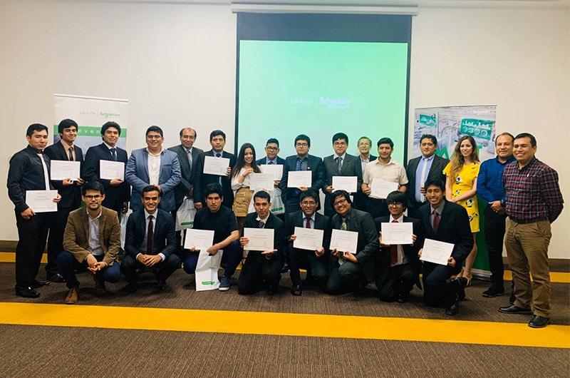 Primer Concurso de Automatización para Instituciones Educativas en Perú
