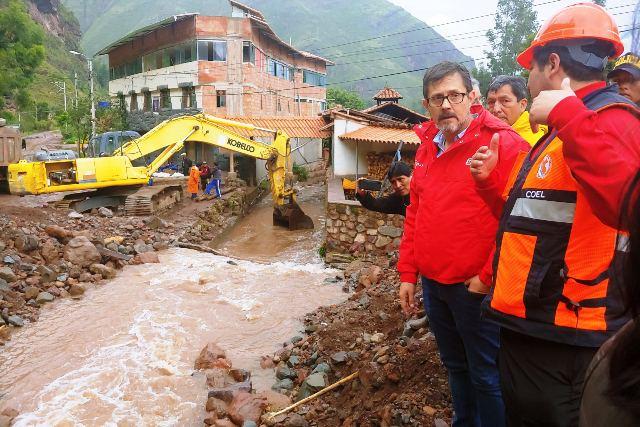 Viceministro de Turismo ( Mincetur ), Guillermo Cortes, llego a Pisac y visitó la zona afectada ocasionados por el desborde del río Kitamayo, en la provincia cusqueña de Calca, en Cusco. Foto: Difusión MINCETUR