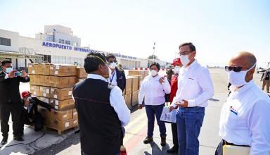 Autoridades entregan pruebas rápidas, equipos de protección personal e insumos médicos en Moquegua