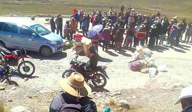 Comuneros de Velille bloquean acceso a la minera Hudbay