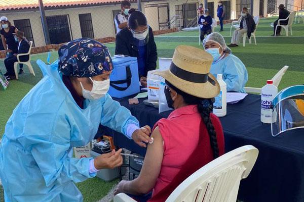 Antamina apoya la vacunación en Valle Fortaleza y Huarmey fortaleciendo la respuesta sanitaria (1)