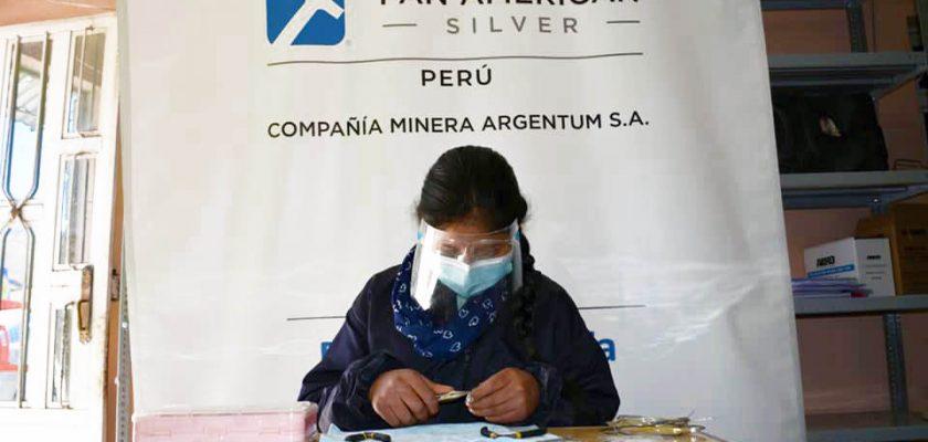 Pan American Silver fortalece capacidades de jóvenes mediante talleres de bisutería en Morococha