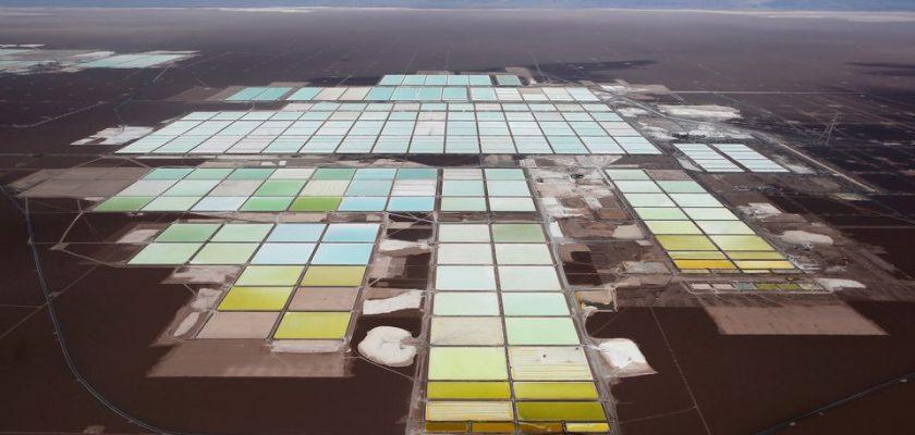mina de litio de Soquimich (SQM) en el salar de Atacama, en el desierto de Atacama, en el norte de Chile.